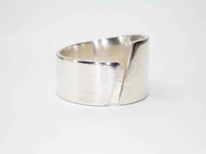 Asymmetrisk ring Freja